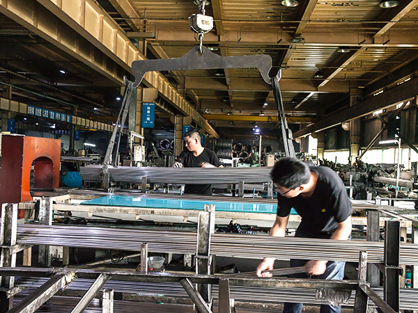 同一金属-生产实景